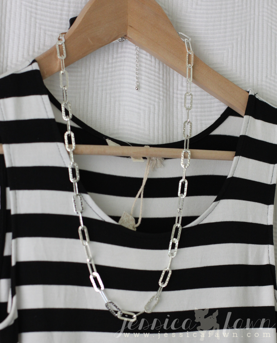 Towne & Reese Hendrick Textured Chain Layering Necklace | JessicaFawn.com